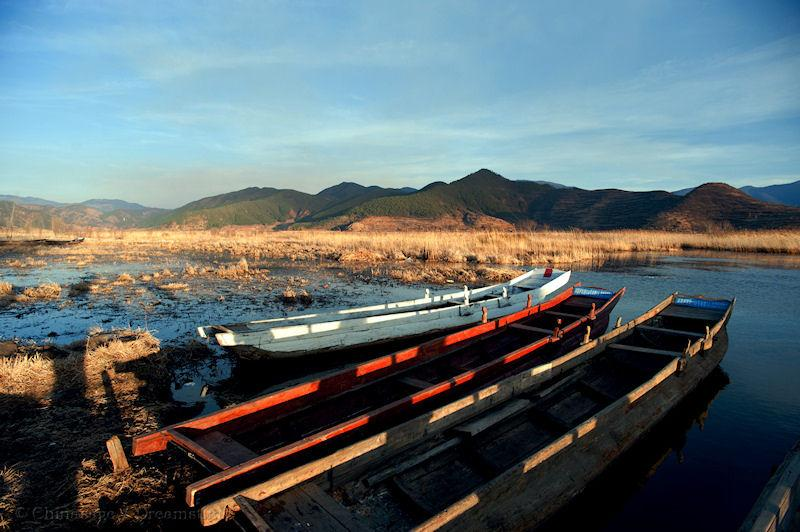 Yunnan, lake, boat, mountains